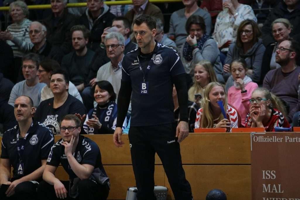 Angespannt und oft ratlos: Trainer Piotr Przybecki vom VfL Lübeck-Schwartau